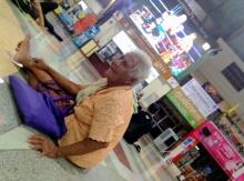 ยายวัย 84 ลุยเดี่ยวพบนายกฯ อยากจะถามกฎหมายมีไว้เพื่ออะไร