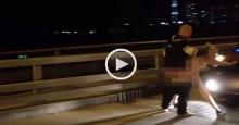 เพลียตับ!! ทำไปได้จอดรถมีเซ็กส์กลางสะพาน แถมโบกมือทักทาย(มีคลิป)