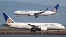 United Airlines เปลี่ยนกฎเรื่องที่นั่งพนักงาน เลี่ยงซ้ำรอยเหตุลากผู้โดยสารลงเครื่อง!