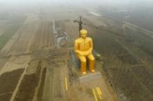 จีนสร้างรูปปั้นเหมา เจ๋อ ตุง สูง36เมตร 17 ล้าน ทั้งๆ ที่ยังมีปัญหาความอดอยากของประชากร!!!