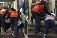 ใจหล่อมาก 2หนุ่มวินมอเตอร์ไซด์  ช่วยหญิงพิการยกรถวีลแชร์ขึ้นรถไฟฟ้าBTS(คลิป)