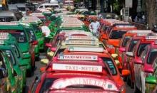 แห่แชร์!!แท็กซี่มีน้ำใจซิ่งฝ่ารถติด ช่วยคนป่วยโรคหัวใจถึงมือหมอทันเวลา