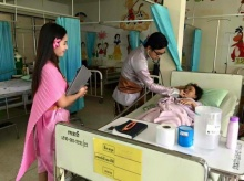 น่าชื่นชม  คุณหมอ และ คุณพยาบาล สืบสานวัฒนธรรมไทย แต่งชุดไทย มาทำงาน