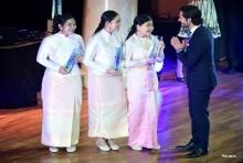 เจ๋งง่ะ! เด็กไทยชนะเลิศประกวด โฟกัสอยู่ที่ชุดที่ใส่!!