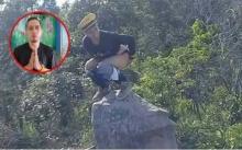 """แก้ผ้าทำอนาจาร!! หนุ่มปีนก้อนหิน """"มอหำตั้ง"""" ลบหลู่สถานที่ท่องเที่ยวชื่อดัง อ้างรู้เท่าไม่ถึงการณ์! (มีคลิป)"""