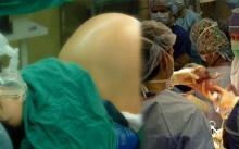 สาวท้องแก่ เข้าห้องคลอดเพียงไม่กี่นาที เธอคลอดลูกแฝดออกมาทั้งหมด..? หมอถึงกับตะลึง!!