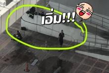 หนุ่มเผยสภาพสถานีรถไฟฟ้าที่ยังไม่เปิดใช้ กลายเป็นที่ตากผ้าไปแล้ว!!