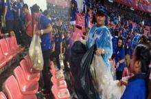ทำดีไม่เป็นข่าว!!! ชาวเน็ตเปิดภาพอีกมุมแฟนบอลช้างศึกไทยสำนึกดี