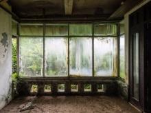 หนุ่มฝรั่งเศสถ่ายทอดความน่ากลัวของ 'โรงแรมผี' ณ เกาะบาหลี ที่ถูกธรรมชาติทวงคืน