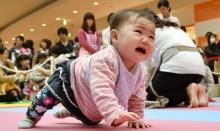 ญี่ปุ่นทำสติกเกอร์บอกคุณแม่ ไม่ต้องกลัวว่าจะรำคาญที่ลูกงอแง!!