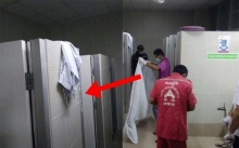 """ช็อกทั้งตึก!! """"ผู้ป่วยชาย"""" หายเข้าไปใน """"ห้องน้ำ"""" นานผิดปกติ? พยาบาลตามไปดูถึงกับผงะ!!"""