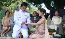 ย้อนดูความหมายสุดลึกซึ้ง เมื่อวันงานแต่งงานใต้ต้นมะขามคู่ของ แอฟ- สงกรานต์