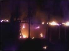คลิประทึกกลางดึก!! ไฟไหม้ โรงงานเฟอร์นิเจอร์ ชาวบ้านวิ่งหนีตาย !