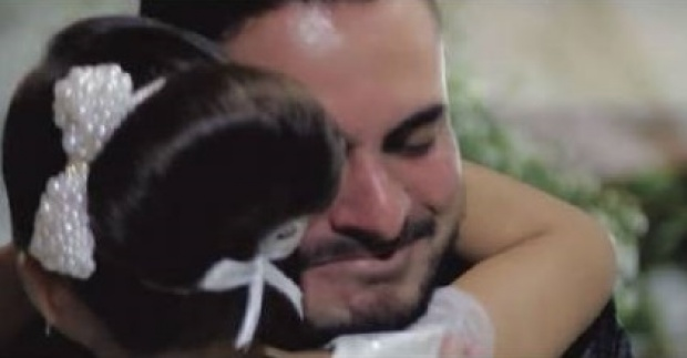 น้ำตาแตก!! เจ้าบ่าว สารภาพรัก หญิงคนอื่น ต่อหน้าเจ้าสาวในงานแต่ง พอรู้ใครเท่านั้นแหละ!