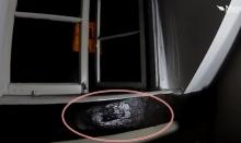 หลอนหัวโกร๋น!! ชายหนุ่มสงสัย หน้าต่างเปิดเองทุกคืน ตั้งกล้องเอาไว้ดู ผวาขาสั่น?