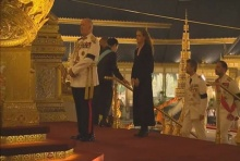 ความจริงของหญิงฝรั่งที่แต่งกายธรรมดาปะปนกับพระราชวงศชั้นสูง