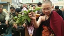 พระไทยหลอกไกลถึงพม่า..พรมน้ำมนต์เป็นเป็นพระธาตุ