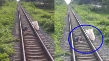 ชายคิดสั้นนอนขวางทางรถไฟ คนขับเปิดหวูดดังสนั่นยังนอนนิ่ง นาทีชีวิตลุ้นสุดตัว (คลิป)