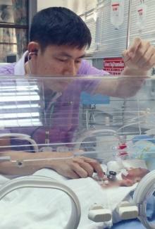 จรรยาบรรณหมอ ! หมอพยายามช่วยชีวิตทารกจนถึงที่สุด !