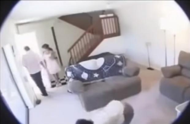 ช็อกหนัก!! สามีสงสัยภรรยาแอบมีกิ๊ก ตัดสินใจติดกล้องในบ้าน เปิดกล้องดูเมื่อรู้ว่าชู้เป็นใคร!?