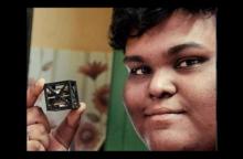 หนุ่มอินเดียวัย 18 ปี ประดิษฐ์ดาวเทียมเล็กและบางที่สุดในโลก จนได้รับรางวัลจาก NASA!