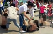 สงสารหรือซะใจดี!? เมียหลวงสูงวัย!! พร้อมพวกรุมทำร้ายเมียน้อยวัยสาวจนเสื้อผ้าฉีกขาดกลางถนน!