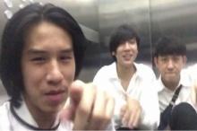 สุดฮา!!! 4นักศึกษาร้องเพลงประชดชีวิตหลังติดลิฟท์
