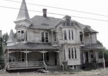 กล้าอยู่มั้ย? บ้าน 100 ปี สภาพผีสิง ธรรมดาๆ ใครจะรู้ว่าภายในหรูหราขนาดนี้!!
