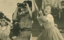 เปิดภาพหายาก!! พระองค์ภาฯ เมื่อครั้งทรงพระเยาว์ ทรงทำท่าส่องกล้อง แบบพระเทพฯ ดูแล้วยิ้มตามเลย