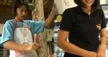 เด็กสาว ม.3 ที่โดนพ่อเลี้ยงทุบตีจนต้องหนีใช้ชีวิตลำพัง ผ่านไป 14 ปี ปัจจุบันเป็นเจ้าของธุรกิจ!
