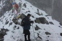 กษัตริย์จิกมี เสด็จฯ ขึ้นเขาสูง ท่ามกลางหิมะหนาวเหน็บ เพื่อเยี่ยมพสกนิกรในถิ่นทุรกันดาร