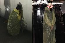 เธอนี่เอง!!! ดาราสาวนั่งจุมปุ๊ก เกาะกำแพงพระบรมมหาราชวัง ท่ามกลางสายฝนกระหน่ำ!!