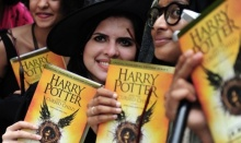 """มักเกิลกรี๊ด! หนังสือ """"Harry Potter"""" เล่มใหม่ เปิดตัวตุลาคมนี้!!"""