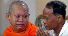 น้ำตาไหลพราก!! วินาทีประทับใจ พี่ชาย บวชเป็นพระได้พบหน้า น้องชาย หลังพลัดพราก 20 ปี(คลิป)