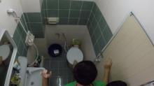 หัวใจแทบวาย!! คนในบ้านต่างสงสัย ส้วมตันอยู่ตั้งหลายวัน หลังลูกชายเข้าห้องน้ำ ต้องกรีดร้องสุดเสียง!!