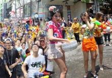 ชาวเน็ตสงสัย!!ทำไม เทศกาลปืนฉีดน้ำเกาหลี คล้ายกับประเพณีสงกรานต์