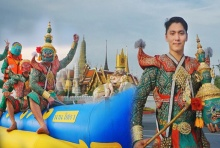 แชร์ว่อน!!ทศกัณฐ์ เที่ยวไทยเก๋ๆ เล่นว่าว ขี่บานาน่าโบ๊ท