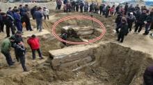 ช็อคโลก!!! คนงานขุดเจอ หลุมศพ ประหลาด ตัดสินใจเปิดออกมาถึงกับผวา!! นี่มัน มัมมี่อายุ 700 ปี !!