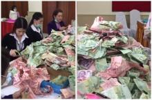 บรรยากาศการนับเงิน ที่ชาวหาดใหญ่บริจาคให้ ตูน บอดี้สแลม #ก้าวคนละก้าว