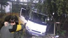 รถบรรทุกเบรกแตกพุ่งลงเขา สามีบอกให้ภรรยา กระโดด แต่ภรรยากลับทำแบบนี้?