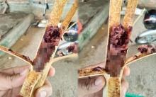 หนุ่มซื้อข้าวหลามที่ตลาด แกะออกมากินได้ครึ่งอัน สิ่งที่เห็นข้างในทำเอาคลื้นไส้ ล้วงคอแทบไม่ทัน!!?