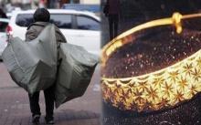 ยายเก็บของเก่าขาย วันนึงเก็บกำไลทองได้ ยืนรอเจ้าของ 2 วัน เมื่อเจอหน้าเจ้าของ กลับทำเอาอึ้ง!!?