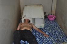 หนุ่มดวงซวยซ่อมเครื่องซักผ้า หัวติดคาถัง!!