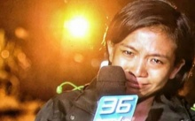 """นักข่าวสาวสุดกลั้นน้ำตา !! ขณะรายงาน หัวหน้ารีบแจงไม่มีขายดราม่าแต่ """"หนูไม่ไหวจริงๆ"""""""