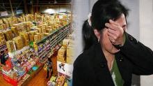 แม่ลูกหนีไปขออาหารในซูเปอร์มาร์เก็ต การกระทำของผู้จัดการร้านทำเอาผู้เป็นแม่ต้องร้องไห้เสียงดัง!