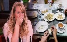 พนักงานเสิร์ฟสาว เลี้ยงข้าวลูกค้าที่ตกงาน คาดไม่ถึงว่าจะเกิดเรื่องราวแบบนี้ตามมา!?