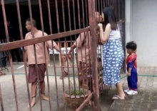 ความรักสวยงามเสมอ!!! แชร์สนั่นสาวจูงลูกมาหาสามีติดคุก สักวันเราคงจะได้พบกัน?