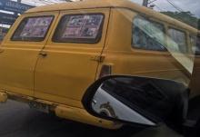 แชร์ว่อน!! รถตู้สีเหลือง คันนี้เห็นแว๊บแรกเฉยๆ พอมองเข้าไปข้างใน..เห็นอะไรมากกว่าที่คิด