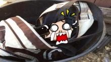 เข่าแทบทรุด!! สาวบังเอิญเห็น กระเป๋า ถูกทิ้งในถังขยะ ก่อนเดินเข้าไปเปิดดู!!