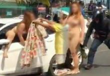 แชร์สนั่น!!สาวขับรถชนแท็กซี่ แก้ผ้าปีนออกจากรถเต้นยั่วไม่แคร์สายตา!!
